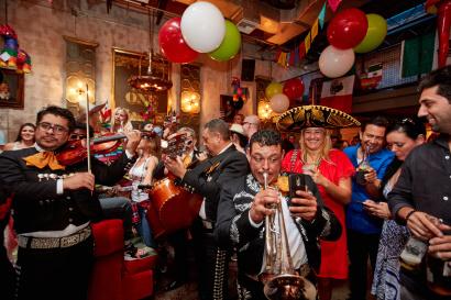 mariachi band cinco de mayo